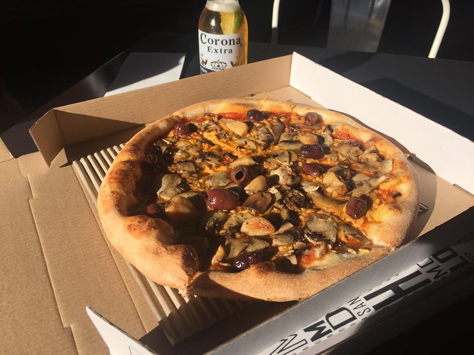 Custom Pizzeria